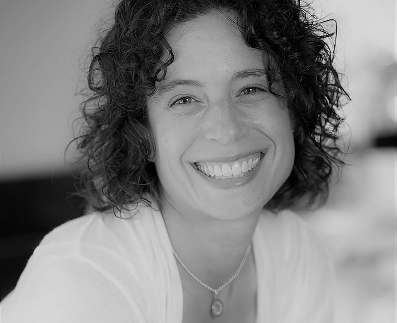 Julie Zeff